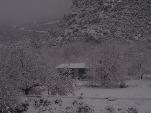 Το εργαστήριο μας με χιόνια το 2011!